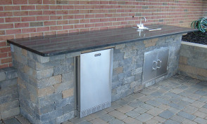 Country Stone Wet Bar