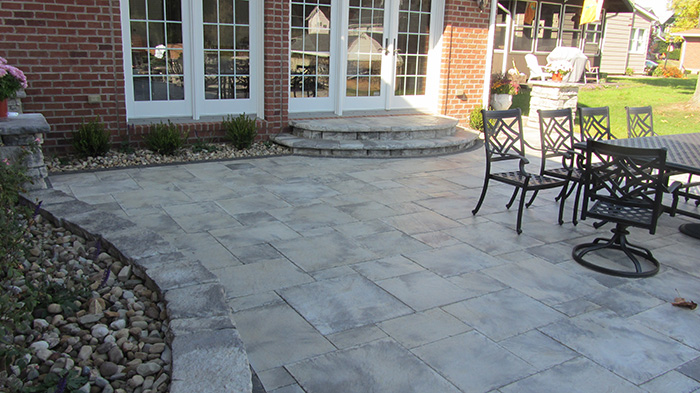 Dimensional Flagstone Patio