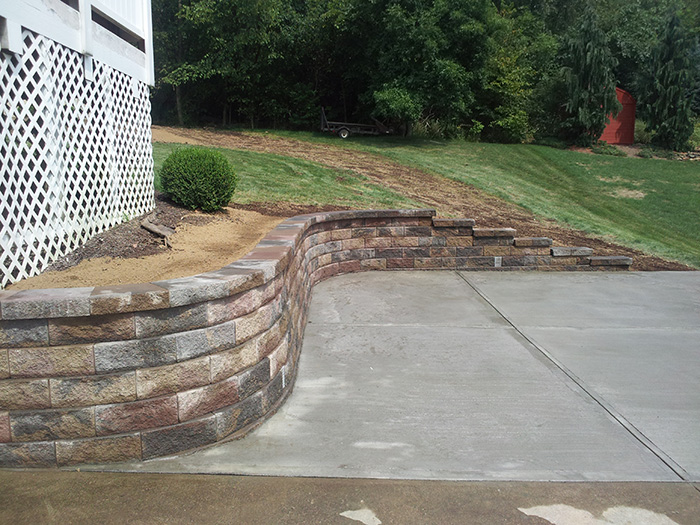 Versa-Lok Curved Driveway Wall